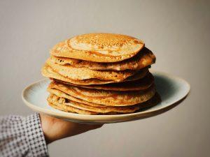 glutenfreie, fluffing Pancakes aus Buchweizen mit Banane