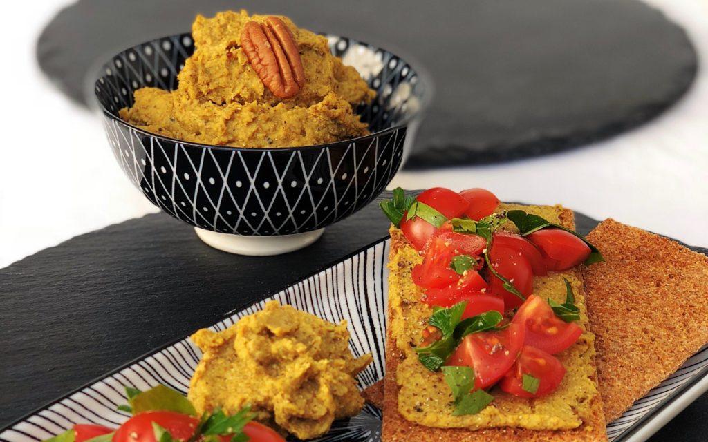 Linsenaufstrich mit Quinoa, Pekannüssen und Curry